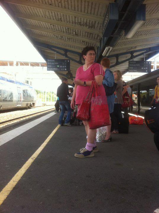 J'ai vu le sosie de Johnny Cash en gare de Vierzon mais c'était une femme en short rose.
