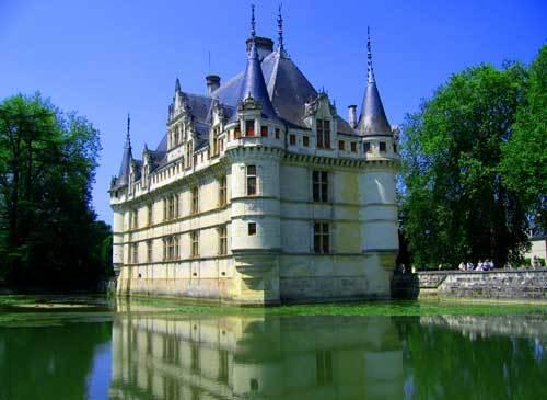 Un audioguide poétique du château d\'Azay-le-Rideau ! | Radio Béton 93.6