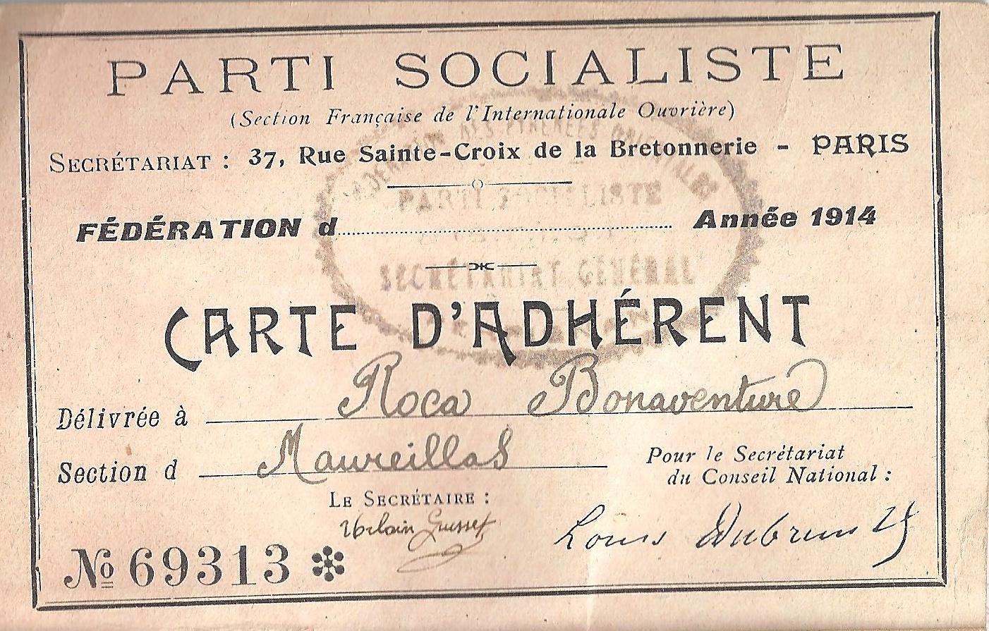 Une carte d'adhérent au Parti Socialiste ? C'est de l'archéologie ça !