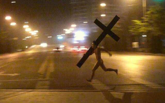 «N'oubliez pas que si vous ne commettez pas de péchés, Jésus est mort pour rien! «